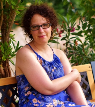 Anna Roldos PERFIL 2