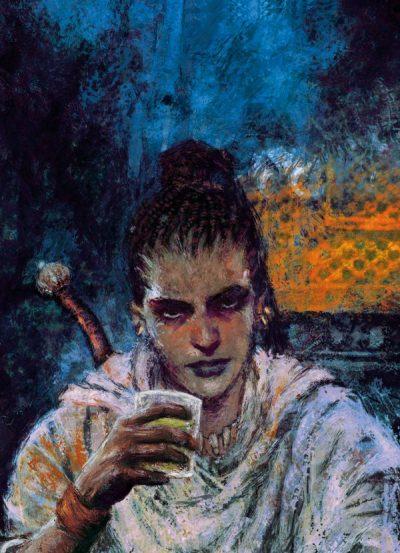 Sobre fondo azul, Nyx. Es una mujer de mirada desafiante, que bebe lo que parece algún tipo de alcohol. Lleva el pelo peinado en multitud de trenzas finas de raíz y se adivina la empuñadura de una espada a su espalda.